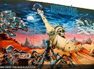 A desolated New York landscape, where everything is dead or reduced to dust. The Statue of Liberty is here just a skeleton with drug in her hand instead of the torch | Statue of Liberty | New York Murales