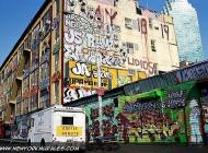A house near Bedford Avenue | Near Bedford Avenue | New York Murales