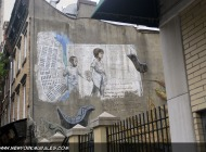 A mum taking her child by the hand | A mum and her child | New York Murales